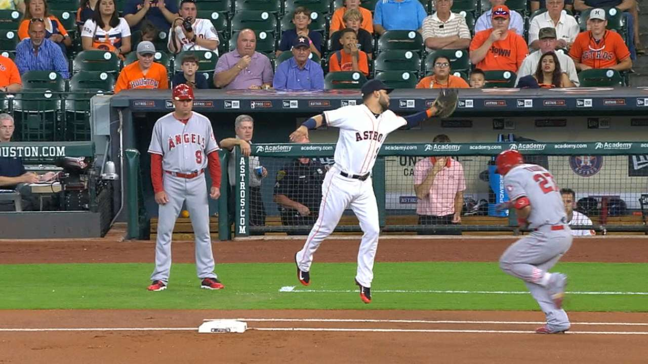 Astros retire Trout on review