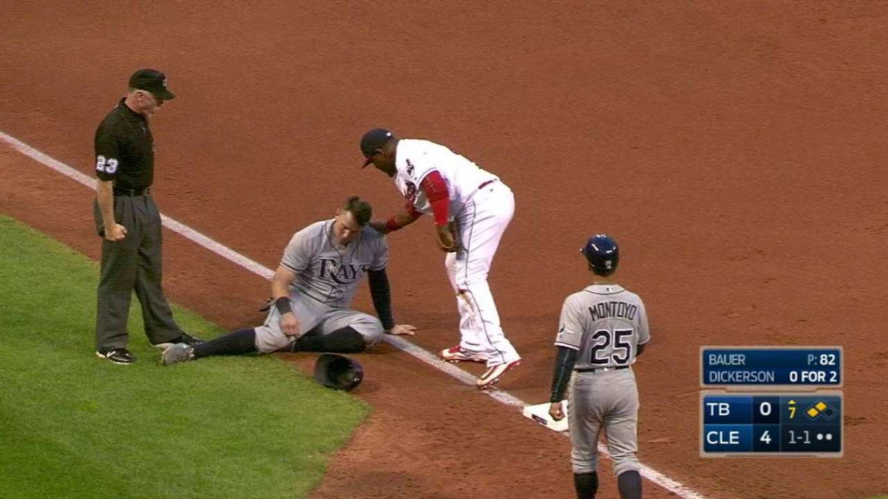 Lindor's heads-up play at third