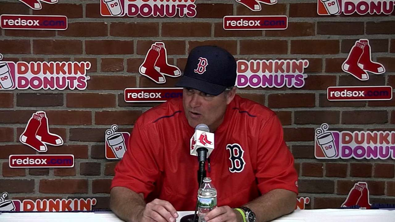 Farrell flouts convention, maneuvers Sox to win