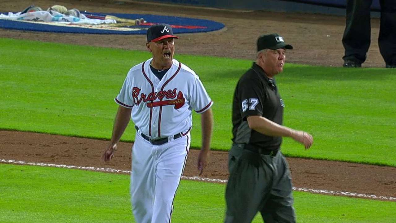 Snitker's ejection fires up Braves, sparks rally