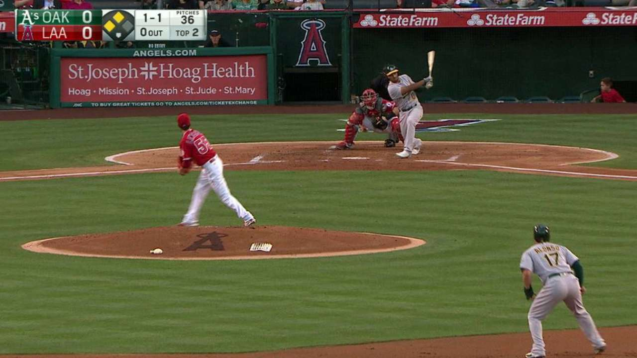 Semien's shot helps A's pay back Lincecum