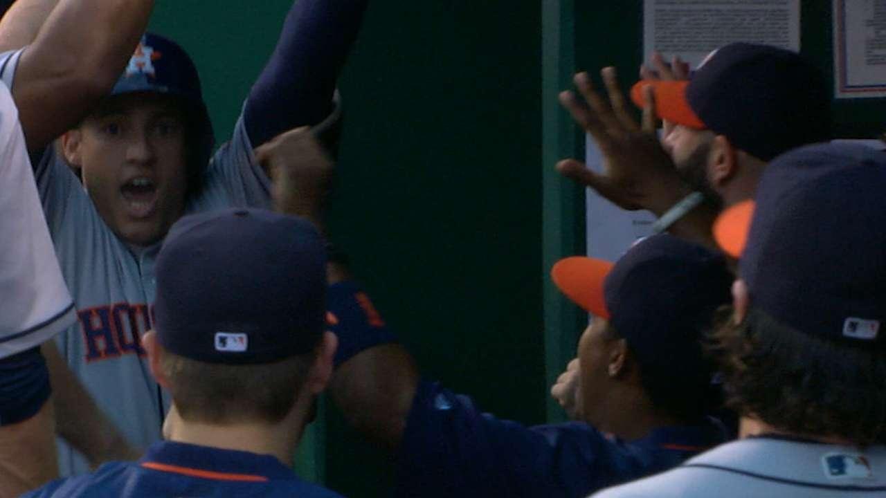 Astros score nine runs in 1st