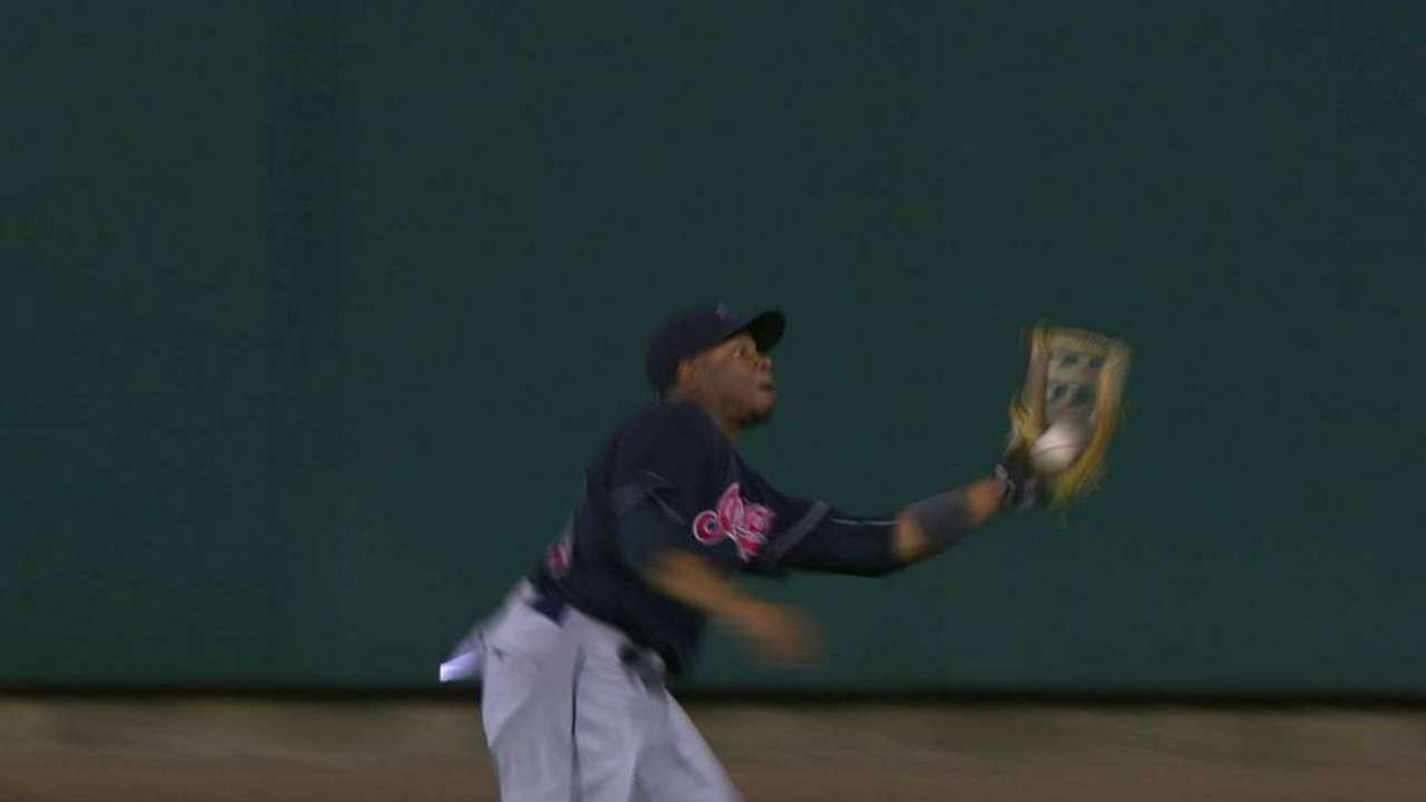 Davis' incredible running catch