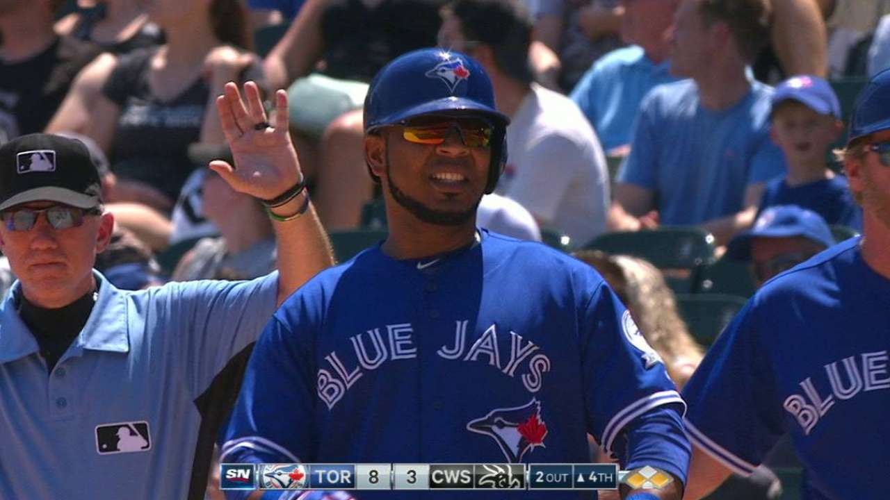 Blue Jays allow 7 HRs, still top White Sox