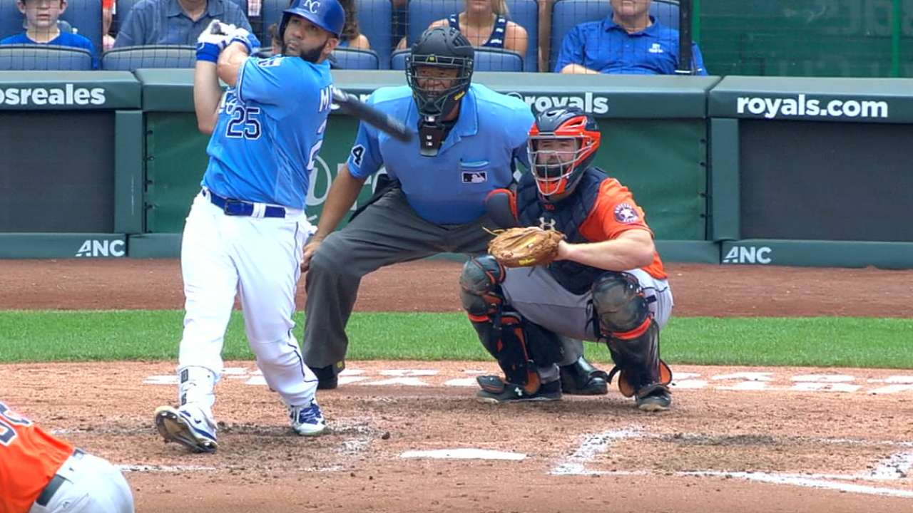 Kendrys homers twice as Royals clip Astros