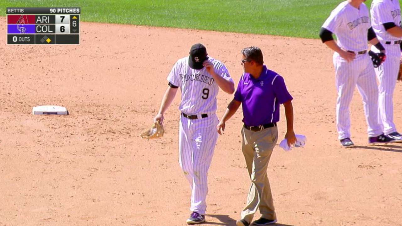 LeMahieu exits with an injury