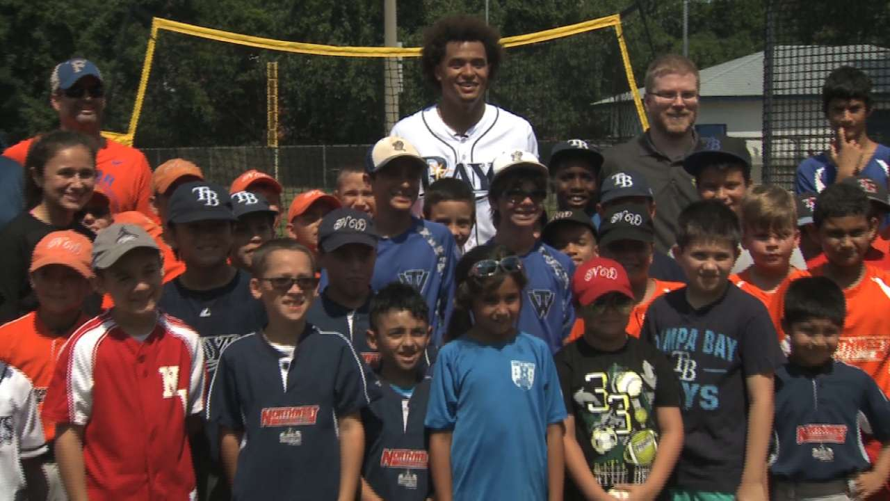 Archer shows support for local Little League
