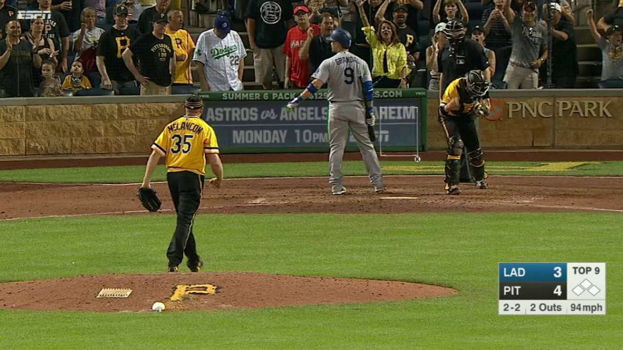 Melancon closes out the win