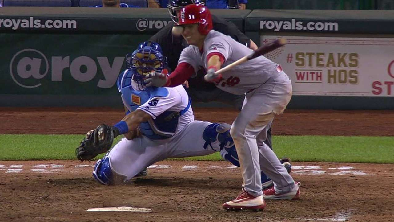 Diaz will avoid DL after taking foul ball to face