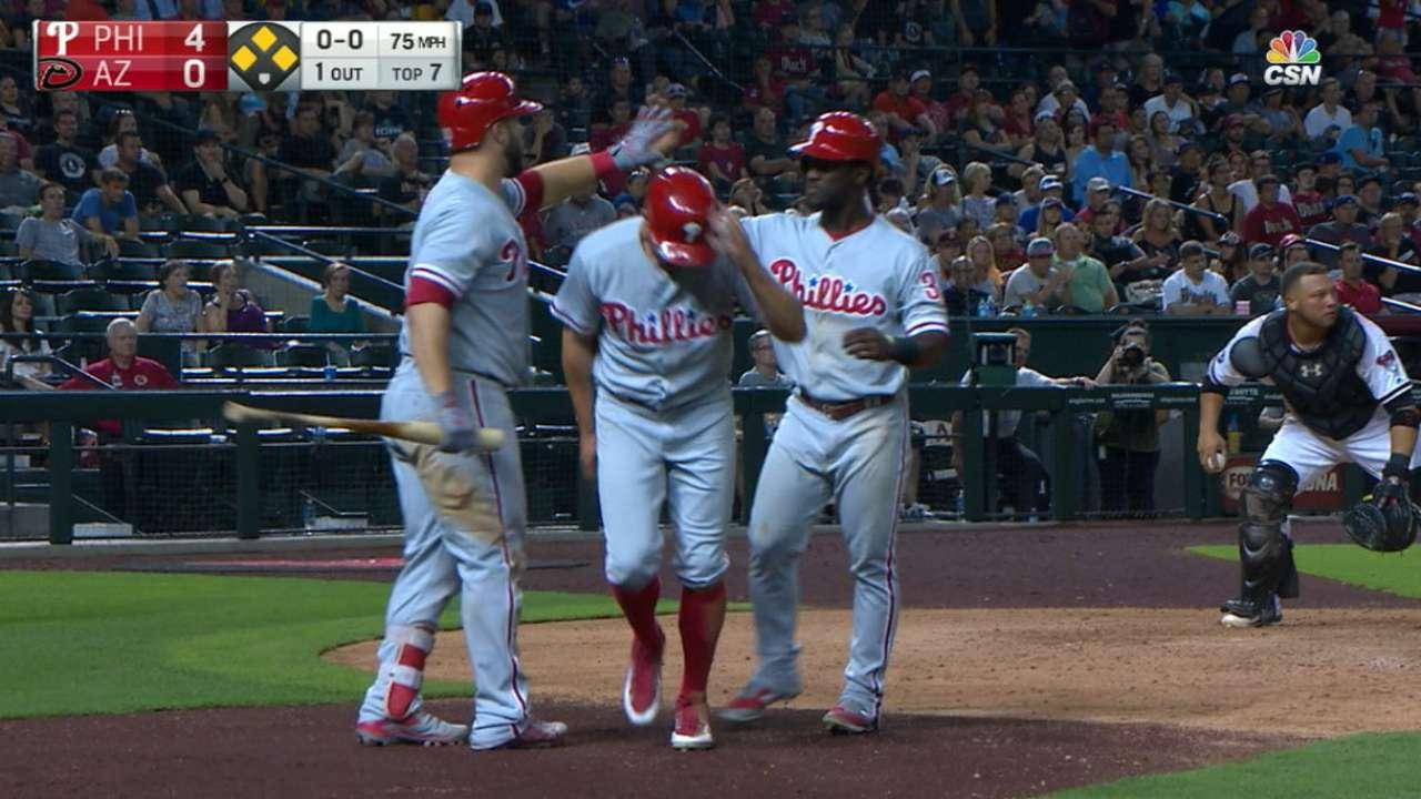 Phillies' big inning, Velasquez sink D-backs