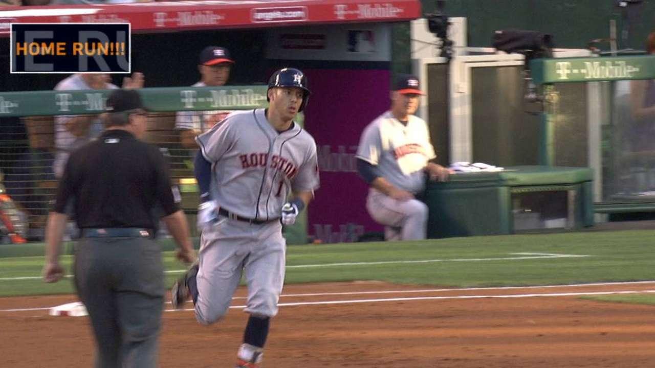 Correa la saca en triunfo de los Astros sobre los Angelinos