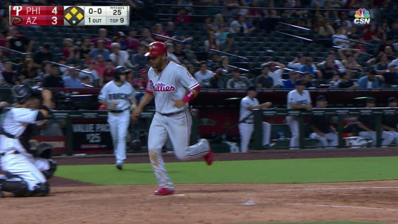 Howard's go-ahead RBI walk