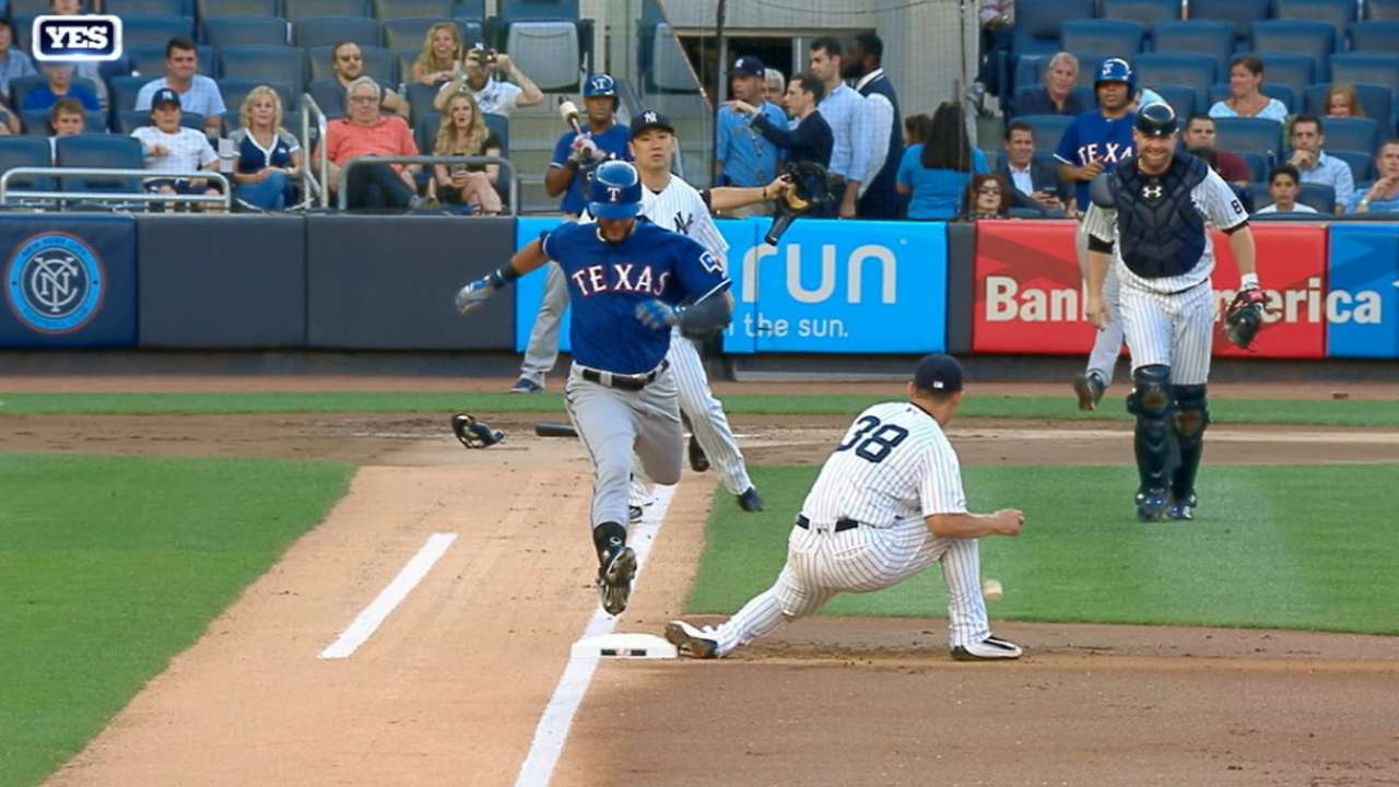 Refsnyder leaning on Tex for pointers at first base