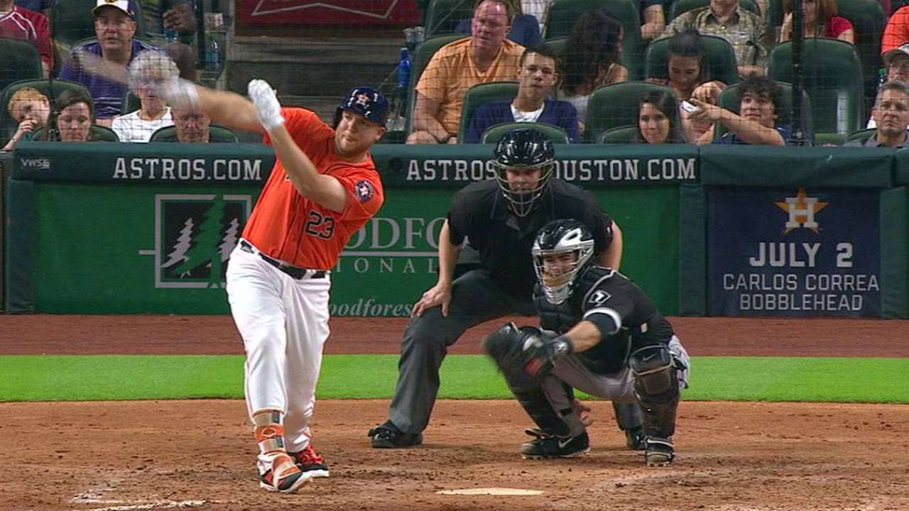 Reed picks up first big league hit