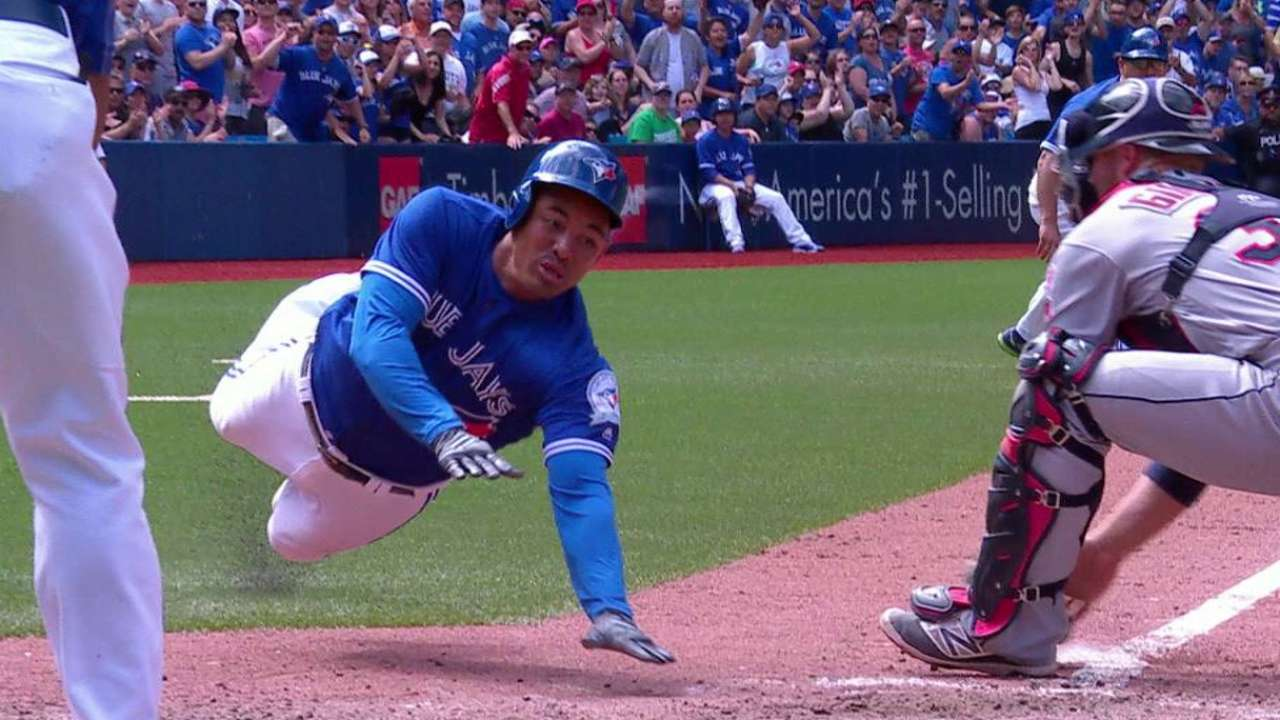 Blue Jays get help from overturned call