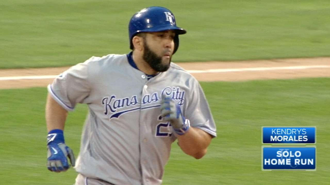 Morales in Wonderland: RF's 2 HRs power win