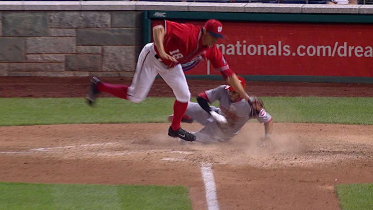 Reds snap skid with 5-run 10th vs. Nationals