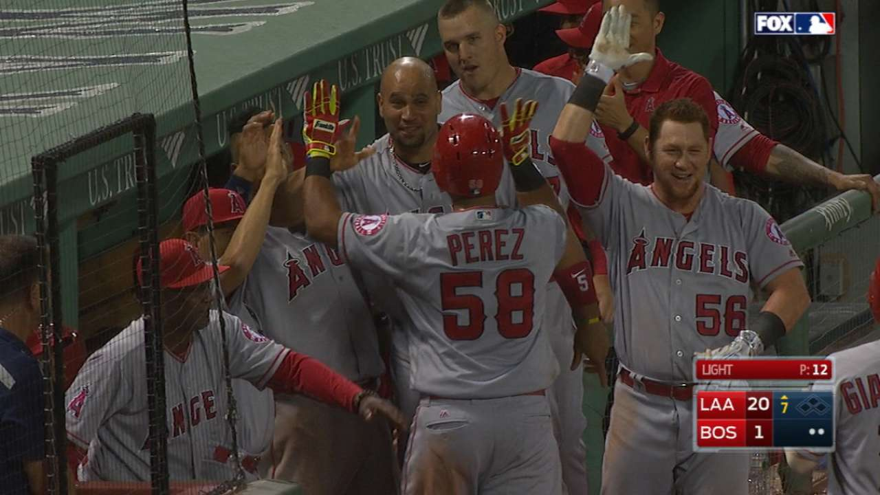 Angels score 11 in the 7th