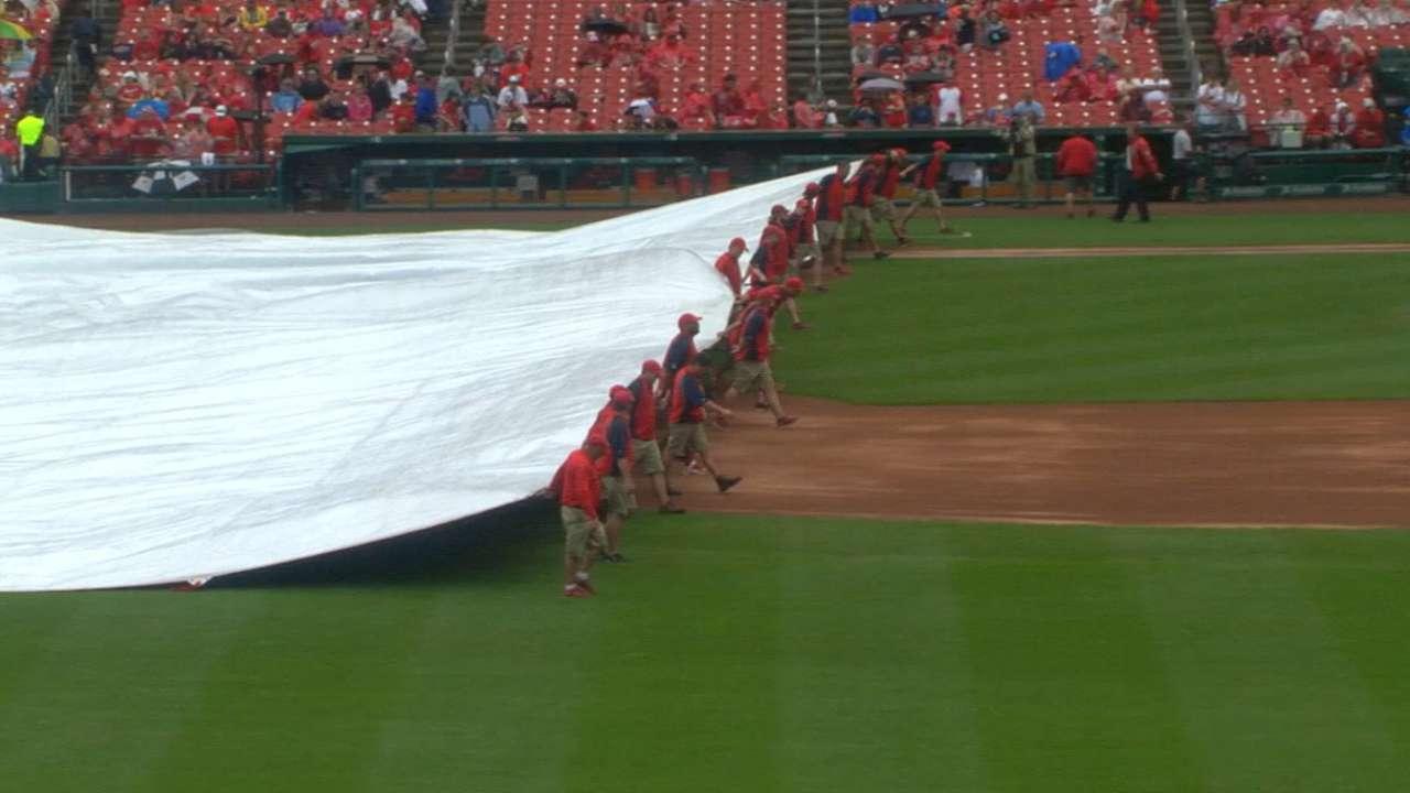 Brewers, Cardinals weather three delays