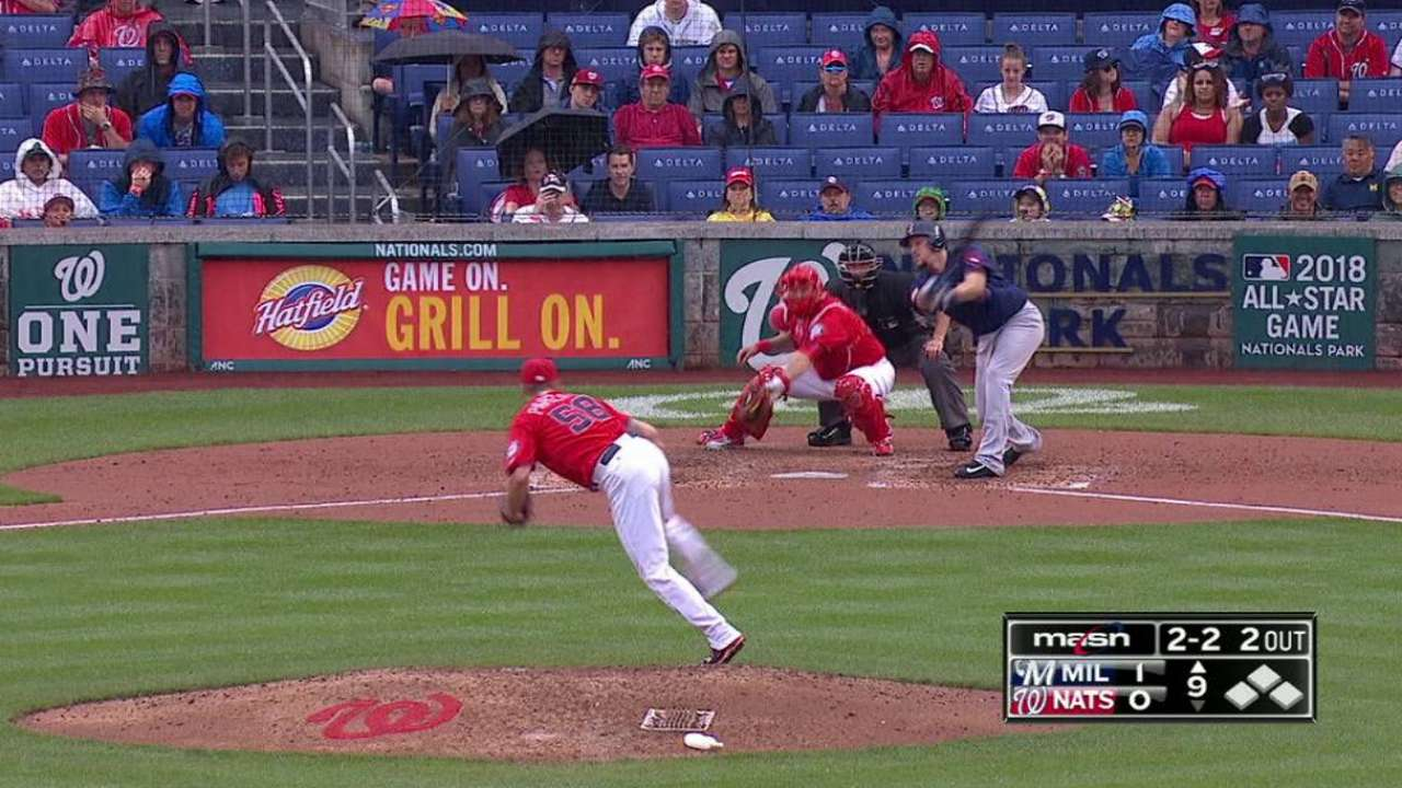 Papelbon pitches clean frame in return