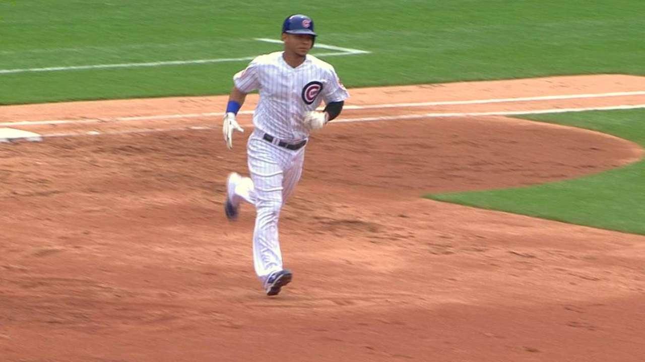Contreras homers to left