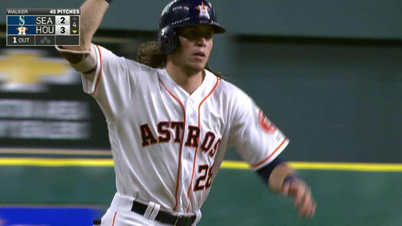 Astros handle Seattle behind Keuchel, 3 homers