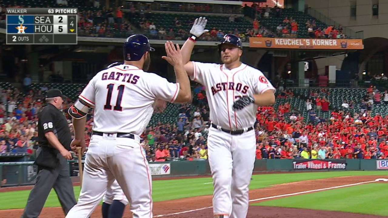 Reed's two-run homer