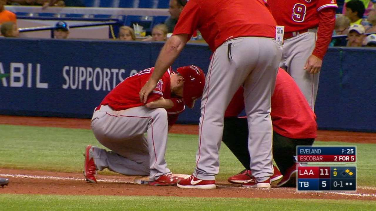 Robinson placed on DL with right ankle sprain