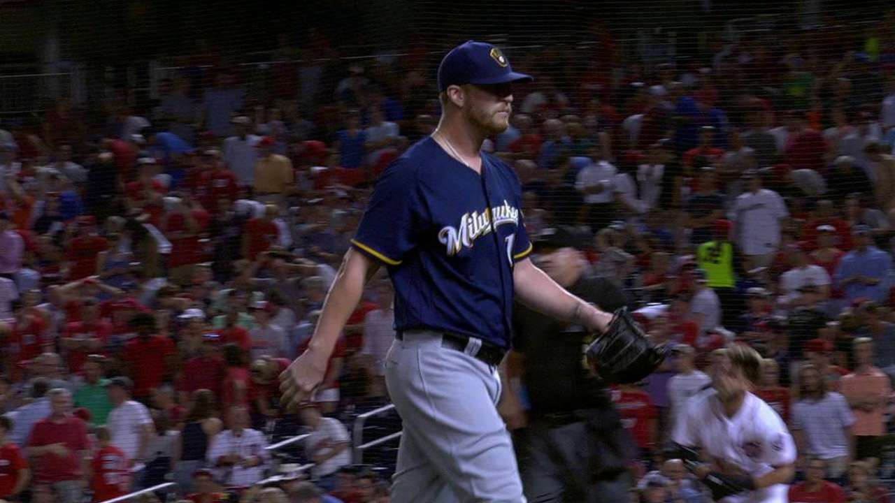 Brewers send Smith to Giants