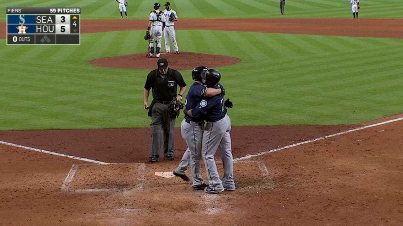 Mariners' three-homer inning