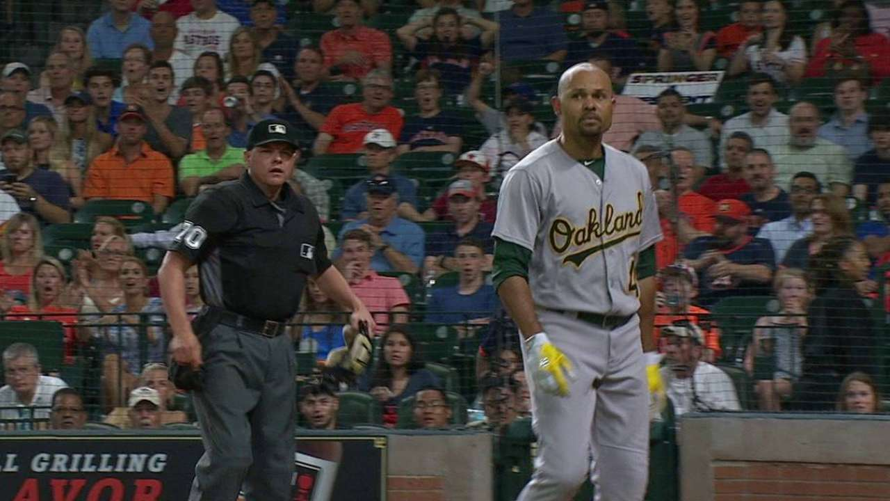 Crisp to apologize to ump for tossing bat