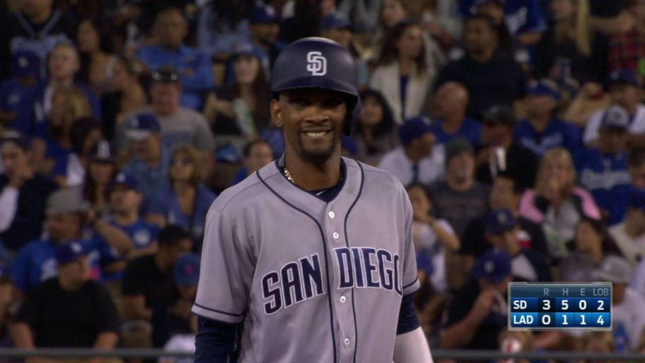 Padres blanquean a Dodgers de la mano de Pomeranz