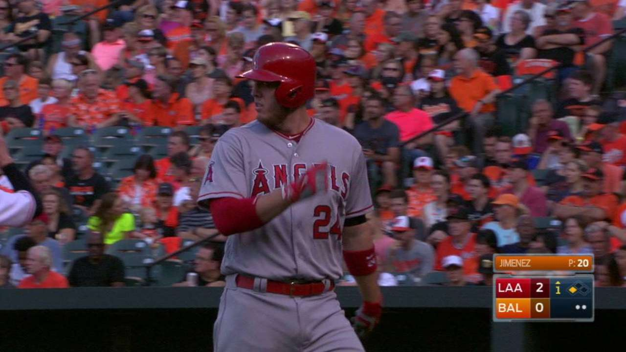 Angels float to 4th straight win with early rallies