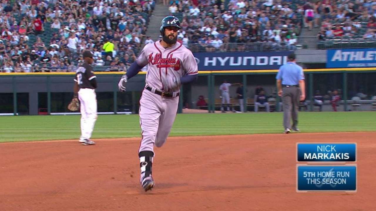 Braves bats shine in win vs. Sale, White Sox