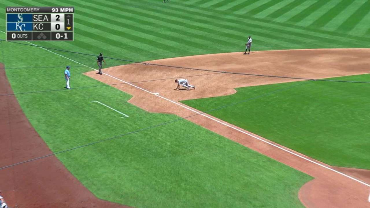 Seager's nice diving stop