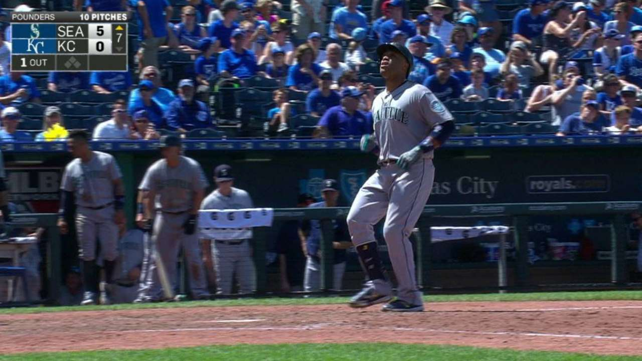 Mariners' bats 'break' off split against Royals