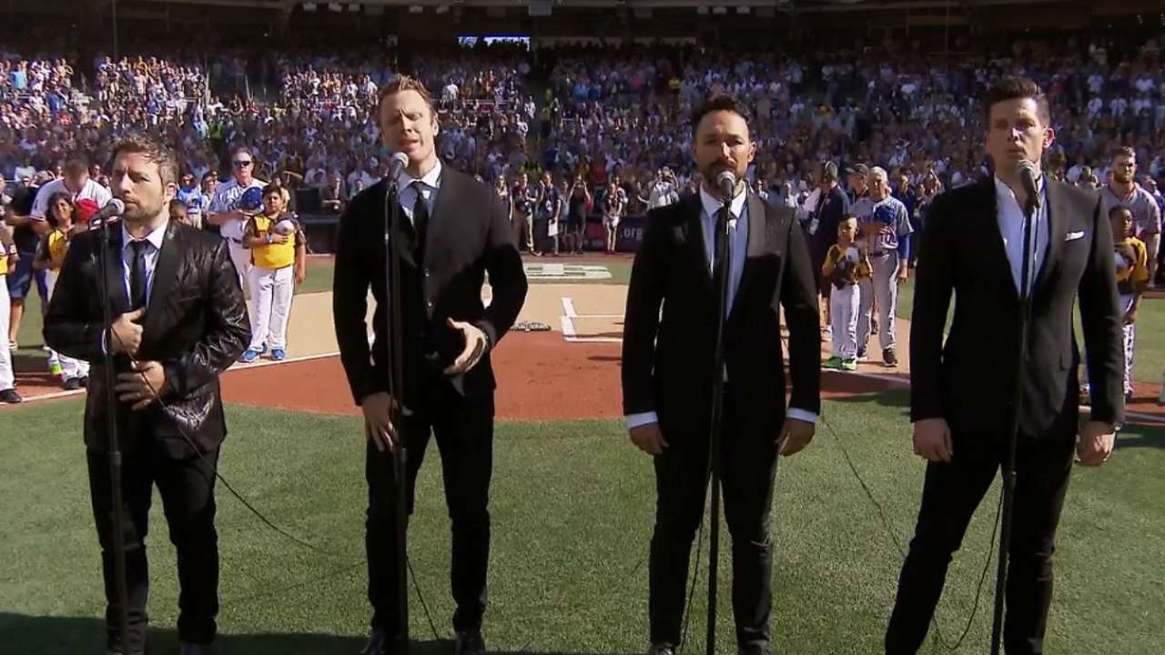 The Tenors sing 'O Canada'