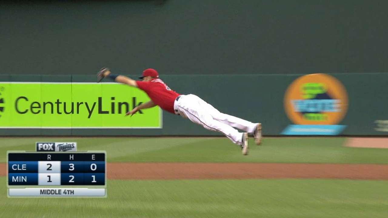 Mauer makes catch, turns DP