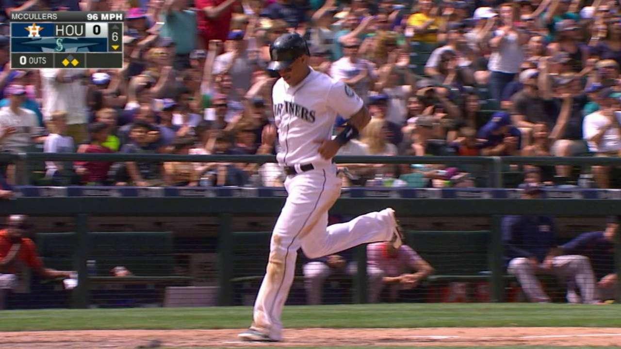 Iwakuma lució y Marineros le ganan por la mínima a Astros