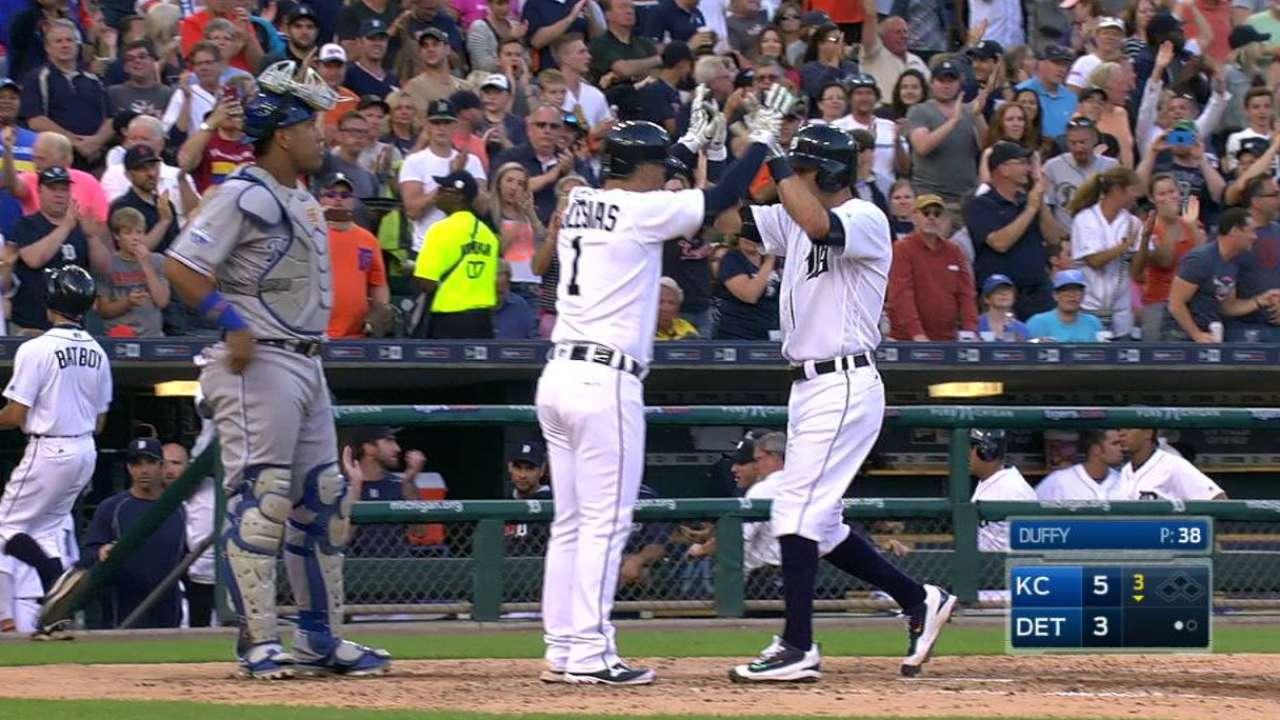 Kinsler's two-run home run