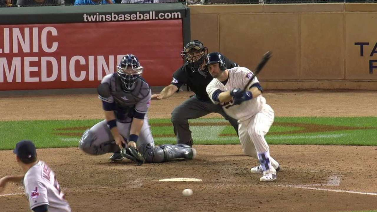 Dozier's game-tying single