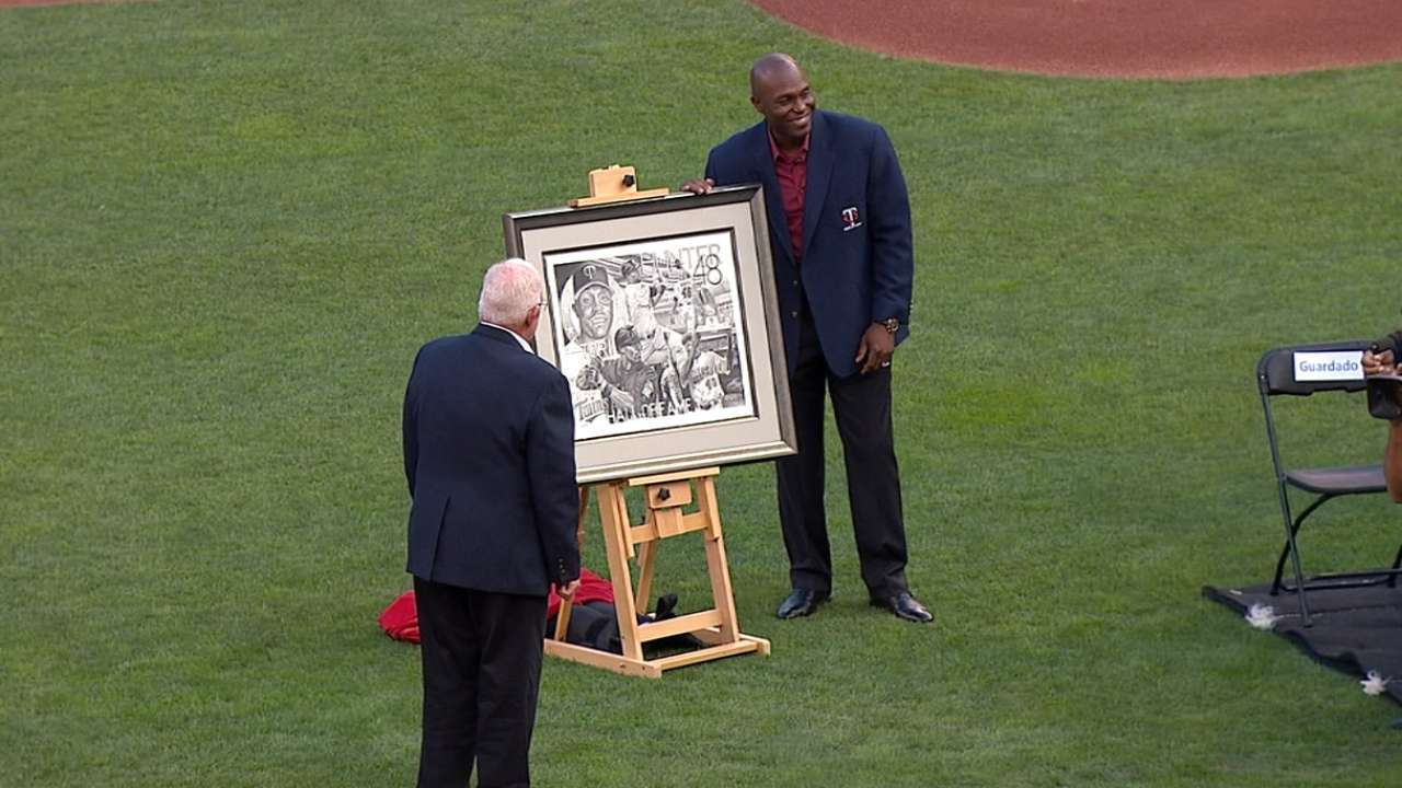 Torii joins Twins greats in club's Hall of Fame