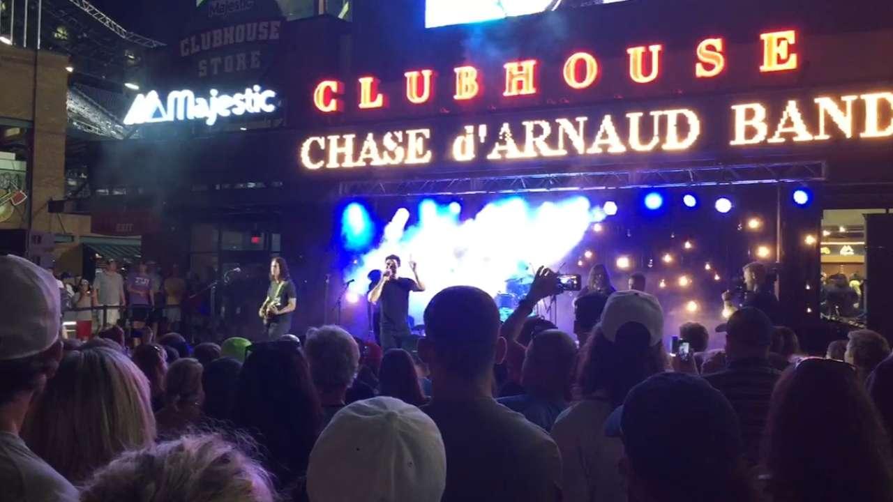 Rock all night: d'Arnaud performs postgame concert