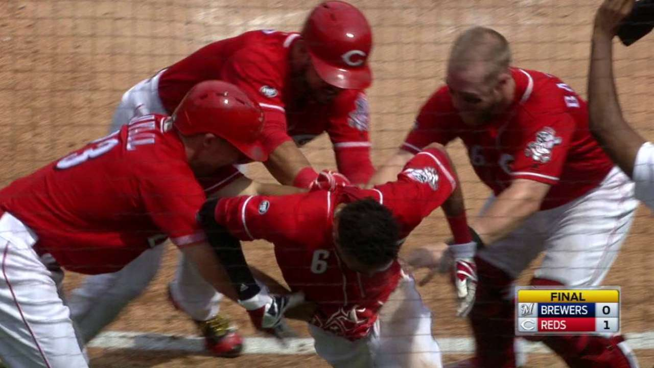 Billy ball! Hamilton, Reds walk off on passed ball