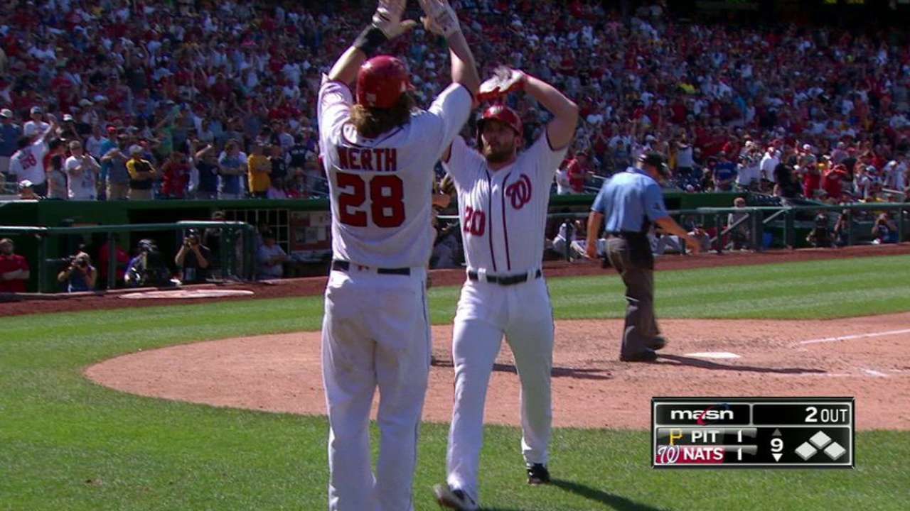 Nats boast July's top NL player, pitcher in Murphy, Stras
