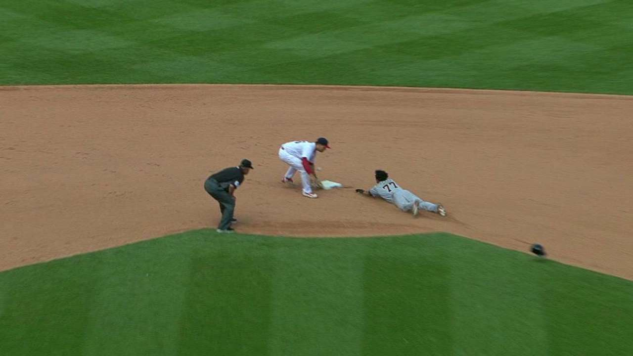 Perez steals second