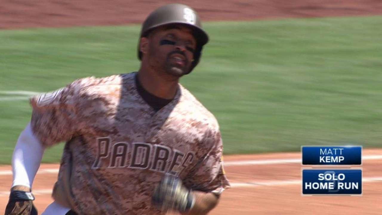 Padres set franchise homer record