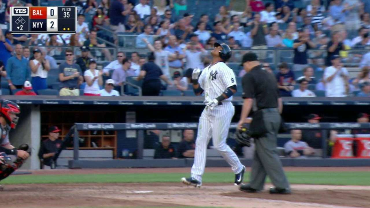 Shining Starlin's 4 RBIs lead Yanks over O's
