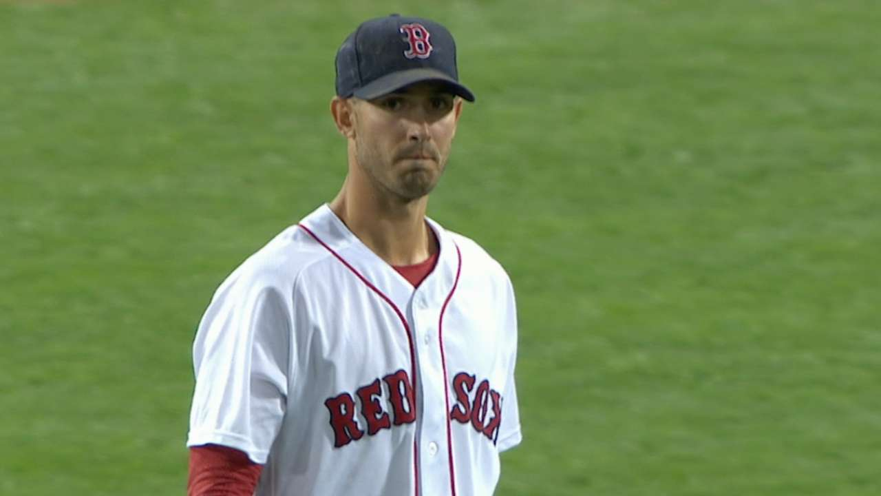 Porcello extends streak as Sox gain ground
