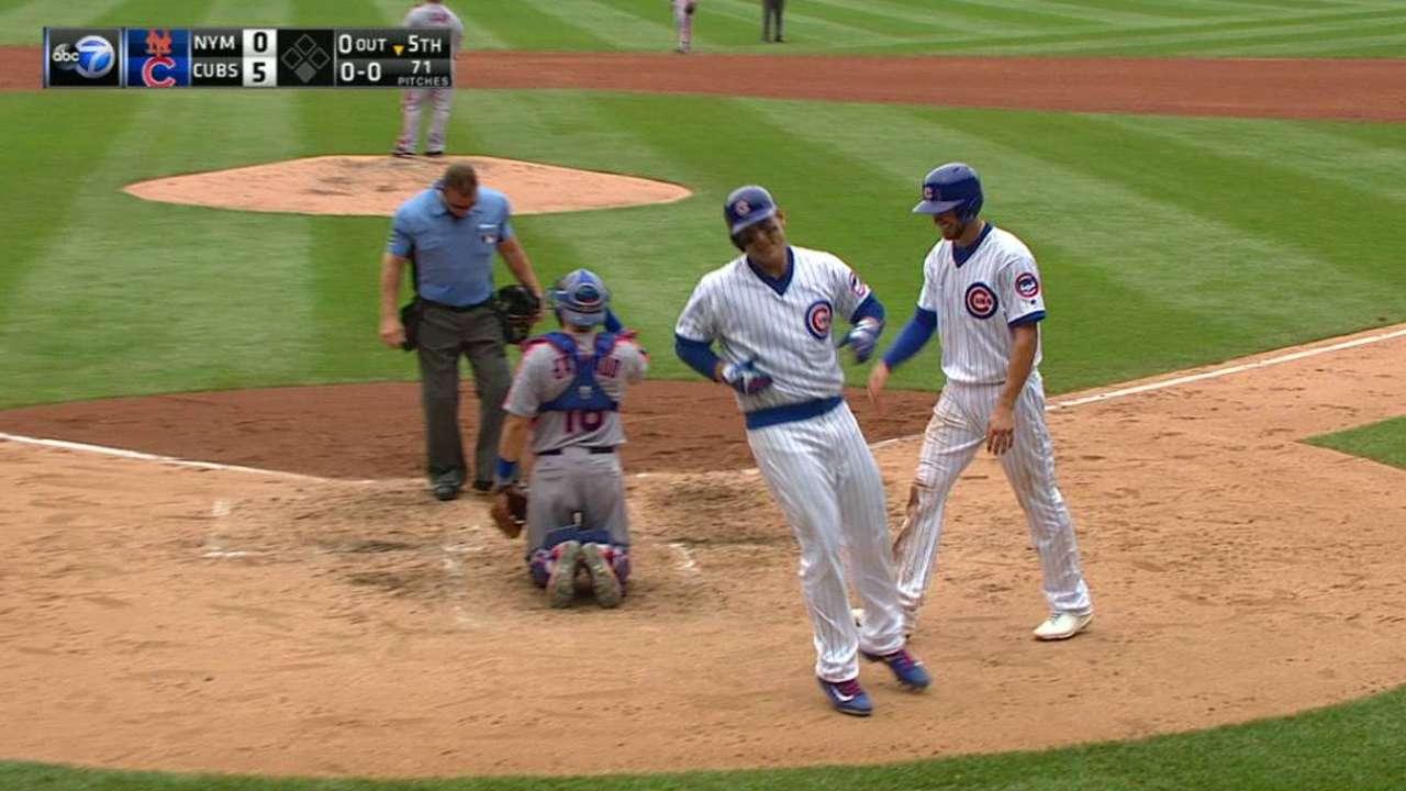 Rizzo, Hendricks help Cubs get the best of Mets
